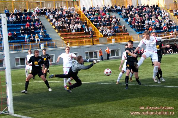 «Амур-2010» вновь проиграл со счетом 3:0