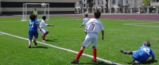 В Уссурийске решили развивать  дворовый футбол