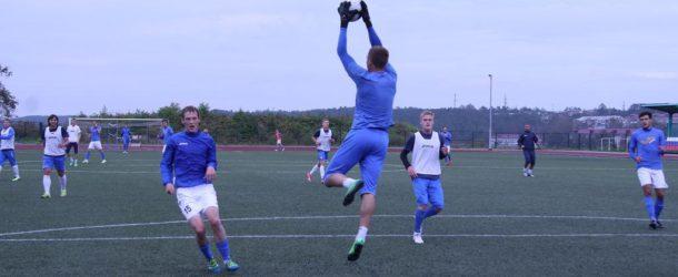 «Сахалин» провел товарищеский матч с  молодежкой